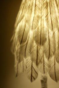 和紙の羽根ランプ Feather Lamp